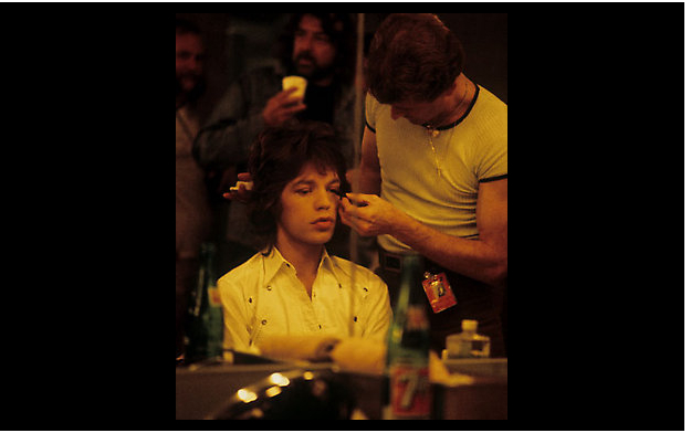 Mick_getting_made_up_for_concert.jpg