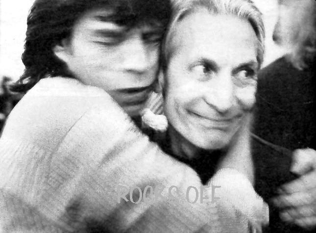 http://rocksoff.org/h3-charlie-watts-and-and-mick-jagger-1994-by-mark-seliger.jpg